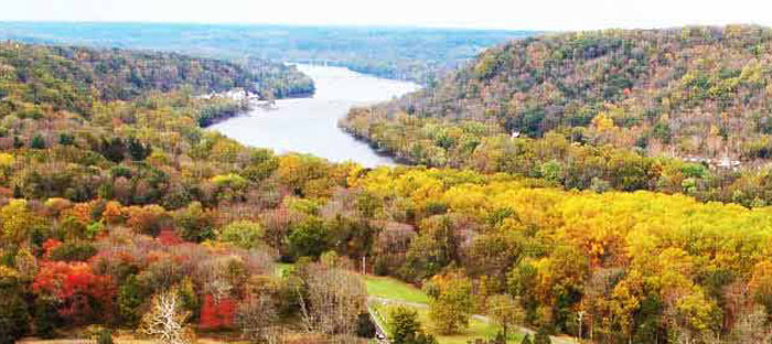 Fall is a wonderful time to enjoy shopping, dining, and the wonderful sights in Glenside, Montgomery County PA